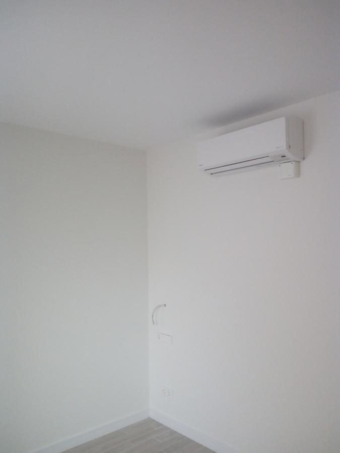 Pintura de vivienda en ral 9010