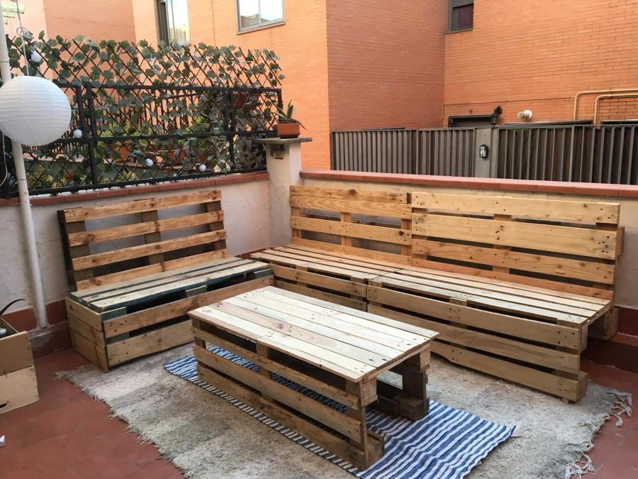 Muebles de terraza con palets reciclados (Madrid)