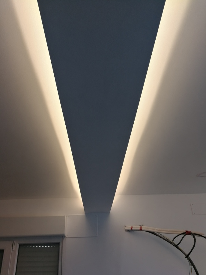Iluminación led. Tiras led 220 /12/24V