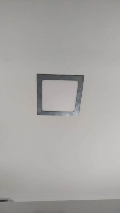 Colocación de downlight cuadrados en inox de 18W