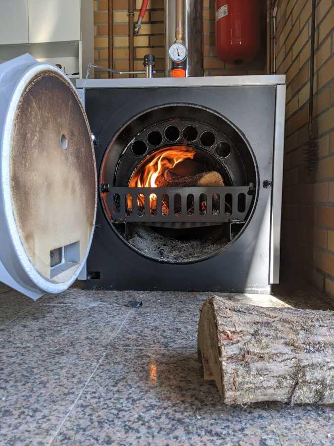 Instalación caldera de leña