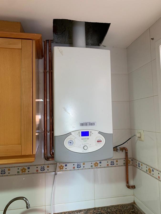 Instalación gas natural y conexión caldera