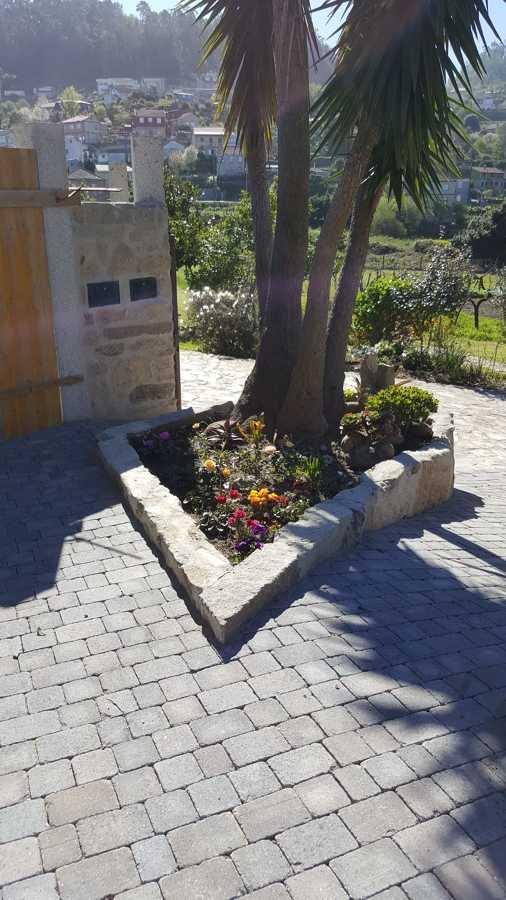 Solado y jardín