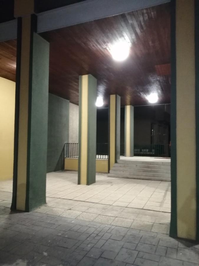 Iluminación LED de porche comunitario