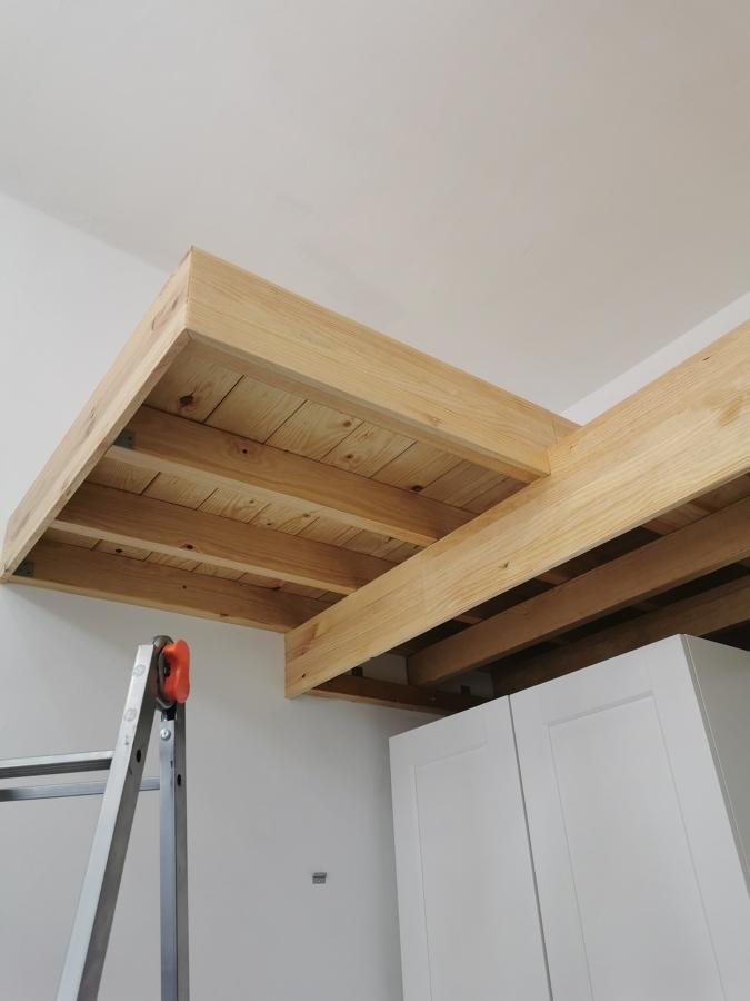 Altillo en madera para dormitorio
