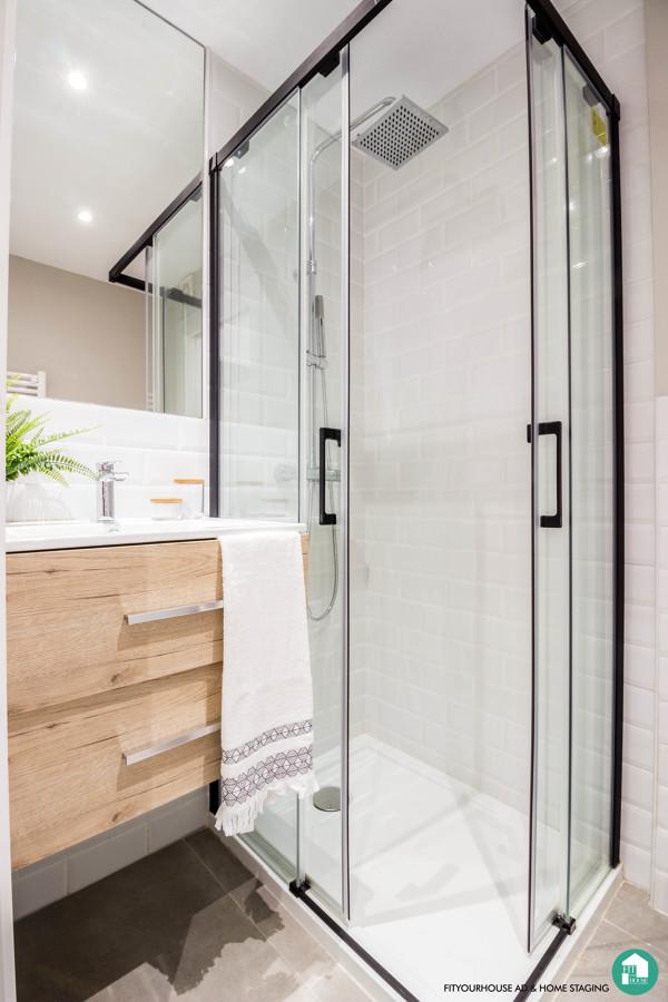 Detalle baño en reforma y Home Staging de apartamento urbano en alquiler