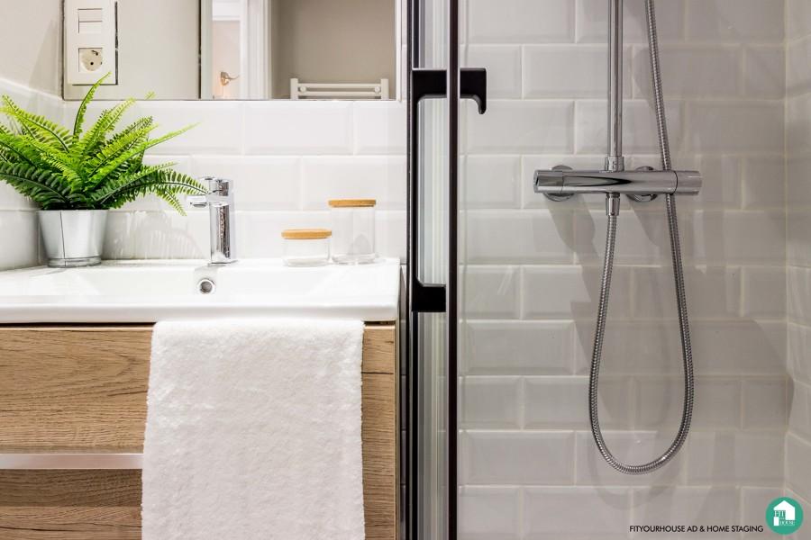 detalle baño . reforma y Home Staging de apartamento urbano en alquiler