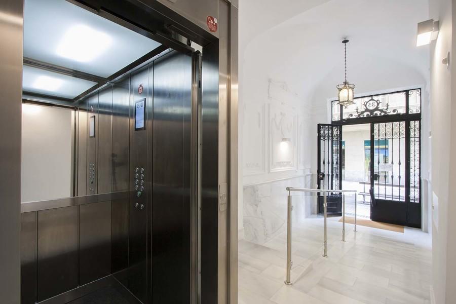 Sustitución de ascensor + bajada a cota cero