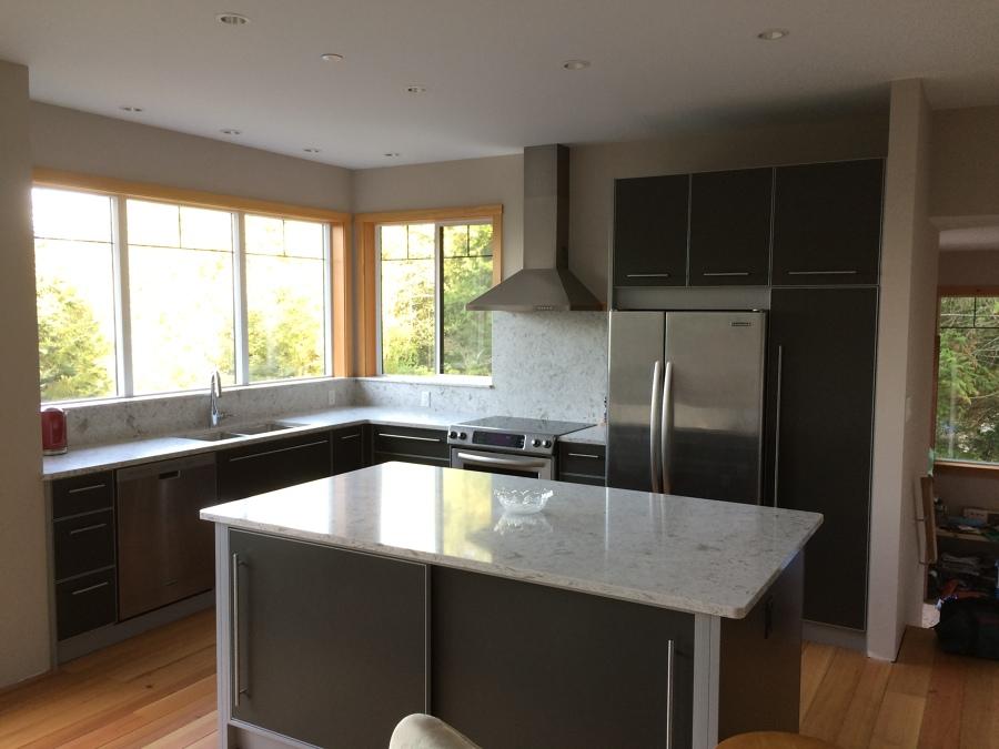 Casa de la cima en gris claro