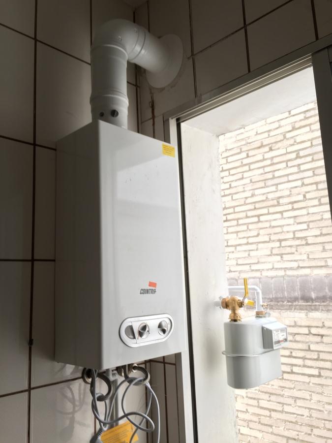 Foto instalaci n de calentador estanco 11 litros e - Instalacion calentador gas natural ...