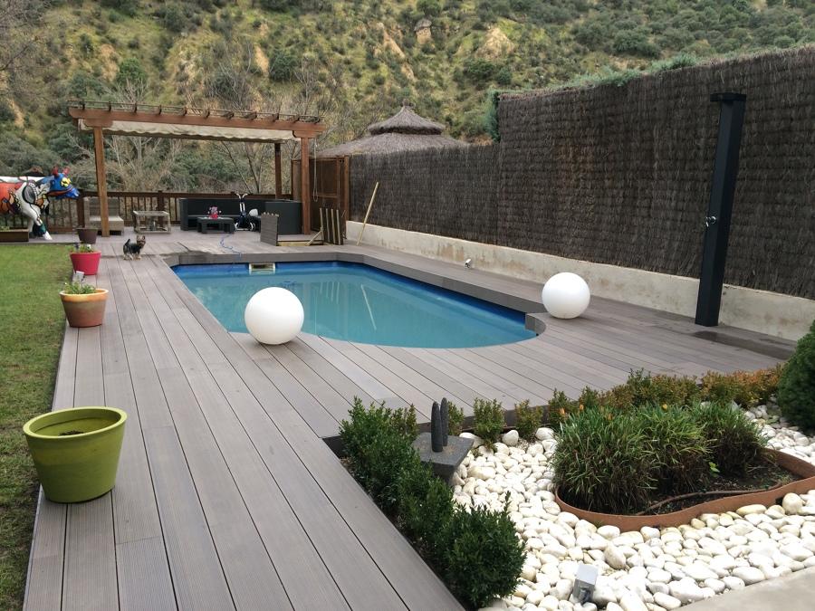 Tarima sintetica sin mantenimiento piscina