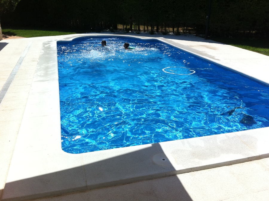 Foto piscina de hormig n gunitado en zaragoza de indepool for Piscinas de zaragoza