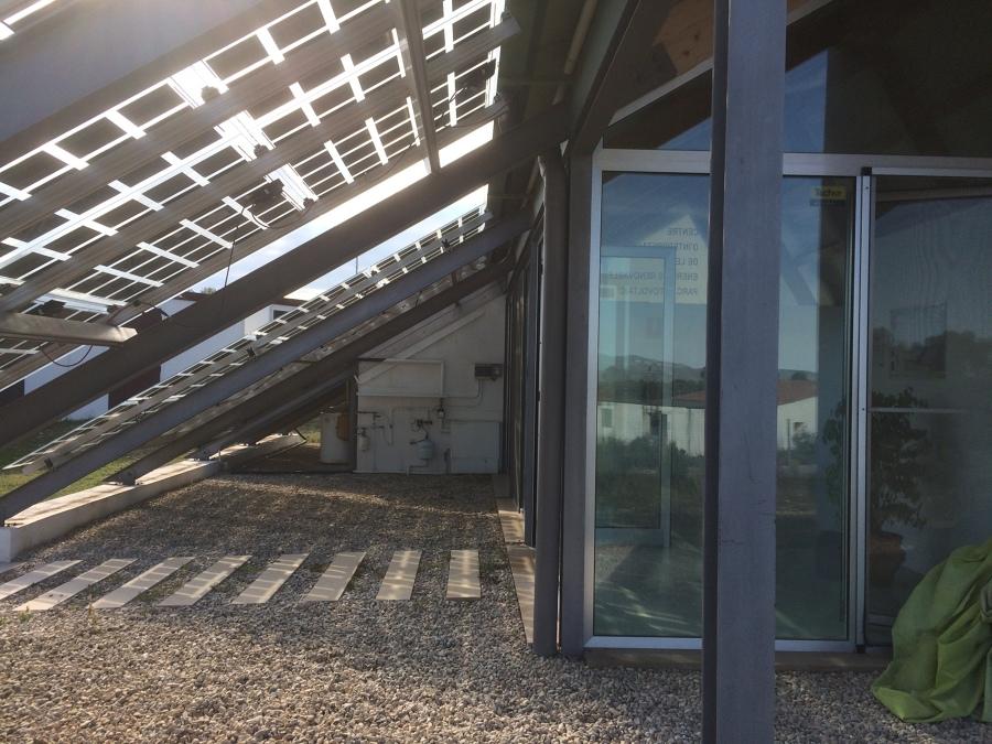 Integración con vidrio fotovoltaico