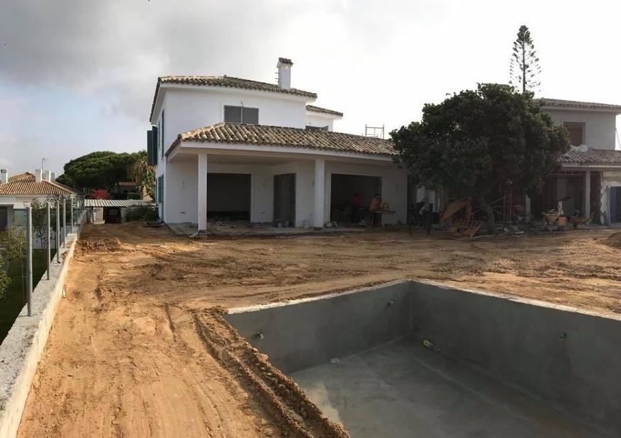 CONSTRUCCION DE CHALET Y PISCINA