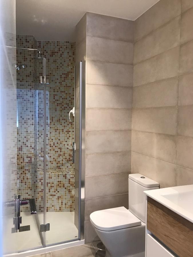 Baño secundario 03
