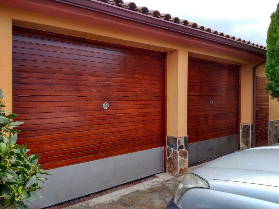 Restauración Puertas acceso garage particular