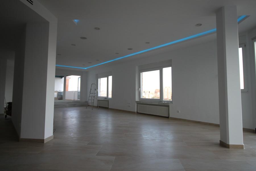 Salon vista a terraza iluminacion perimetral