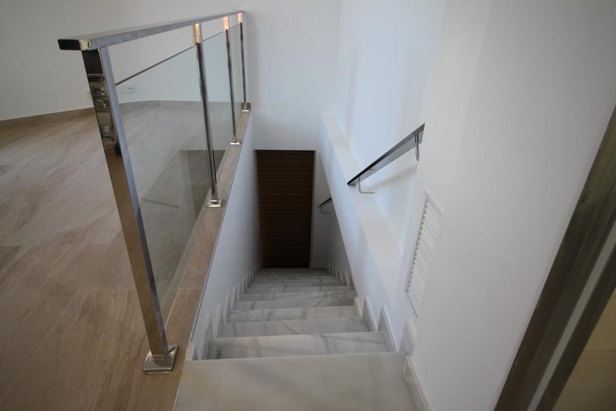 Escaleras a planta superior