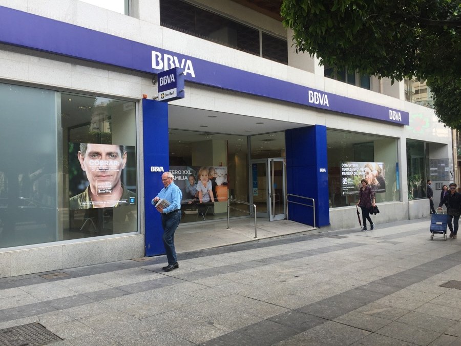 Foto proyecto de reforma oficina bancaria bbva de for Bbva sevilla oficinas