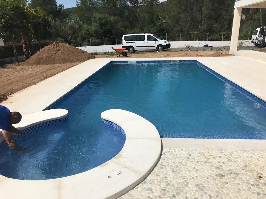 Vista piscina acabado
