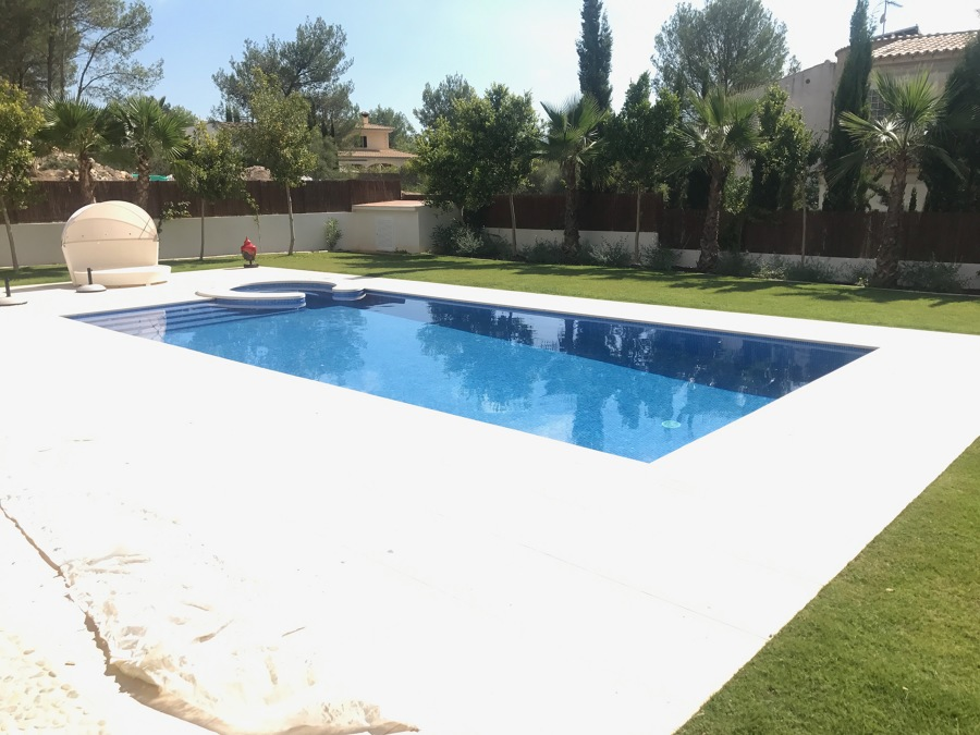 Vista piscina terraza