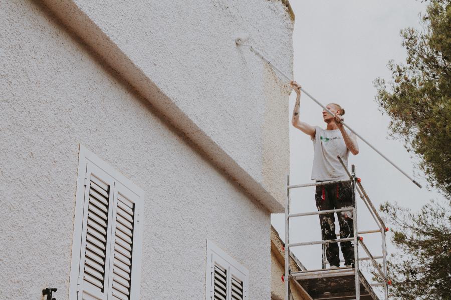 Pintura en fachada trasera
