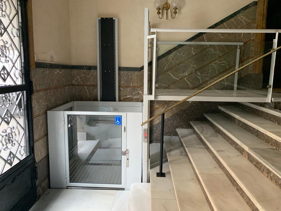 Elevador vertical corto recorrido