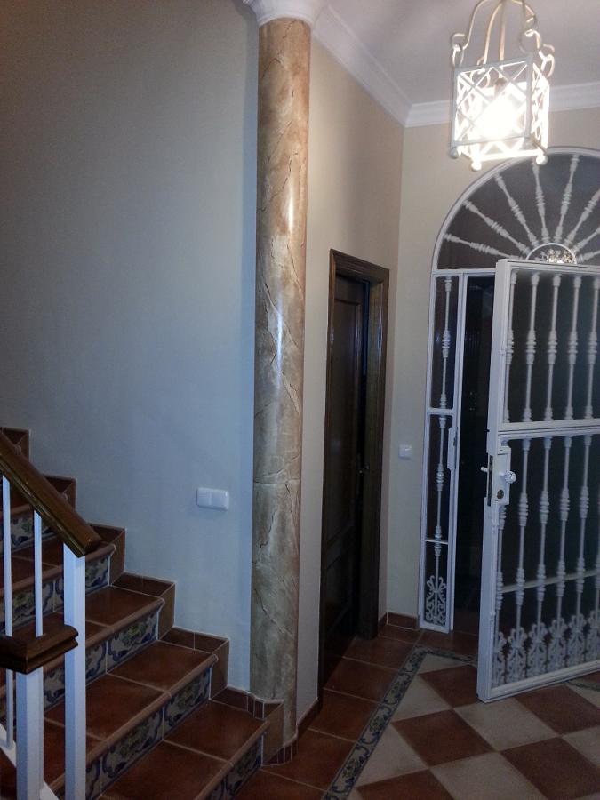 Foto imitacion marmol en columna de pintores victor m - Columna de marmol ...