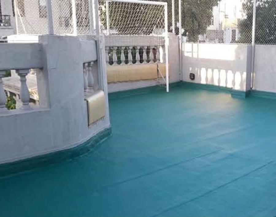 Suelos con pintura de caucho e impermeabilización