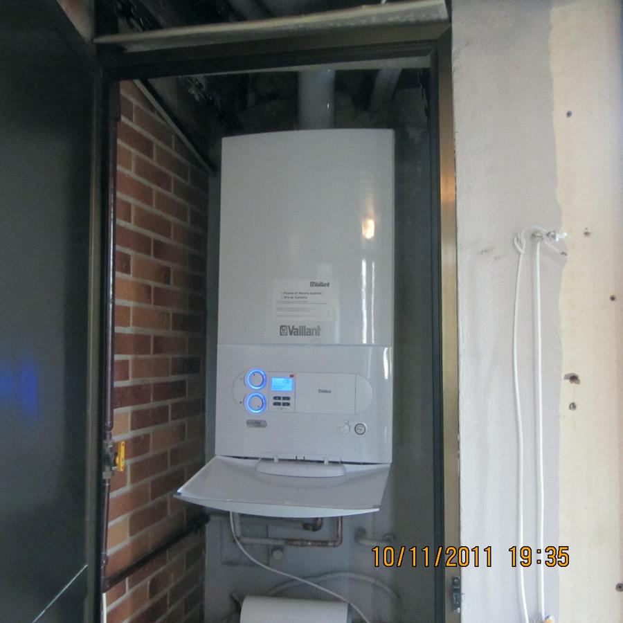 Foto instalacion caldera de gas de instalaciones fonzal zaragoza 293572 habitissimo - Armario exterior caldera gas ...