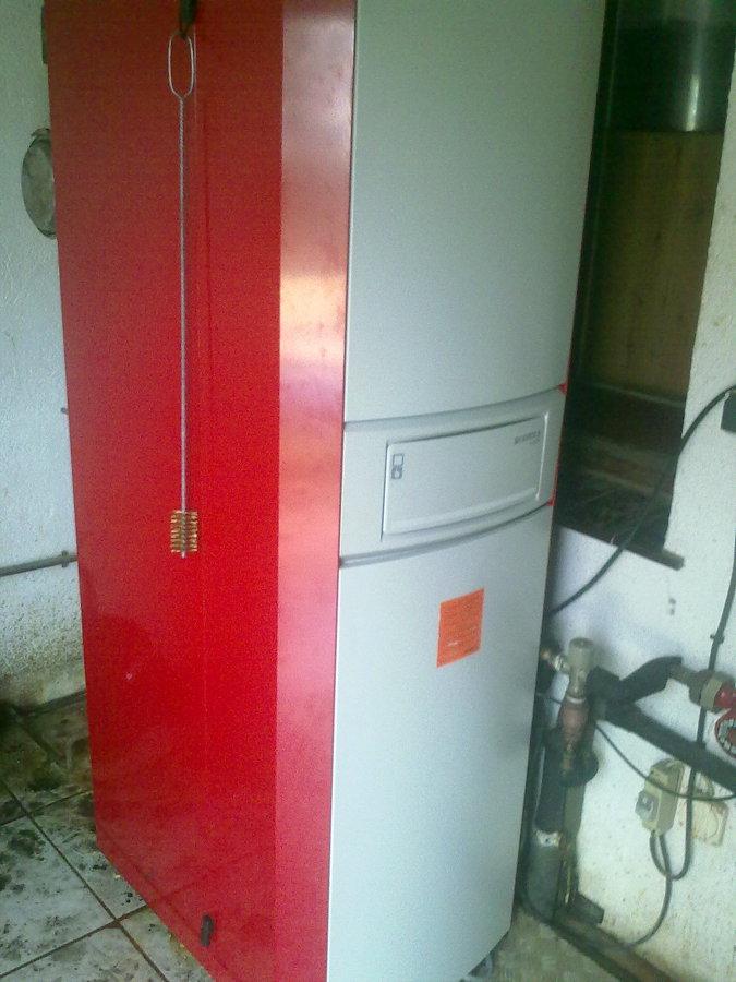 Foto instalaci n caldera mixta de calefacci n y agua for Calderas para calefaccion