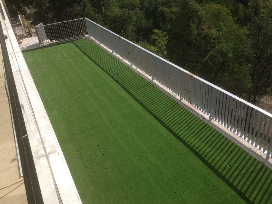Foto instalacion cesped artificial terraza aoiz de - Cesped artificial terraza ...