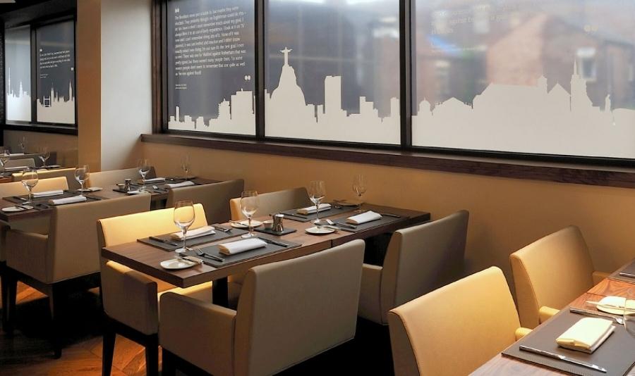 Foto butacas tapizadas para restaurante de ingenia for Mobiliario de restaurante