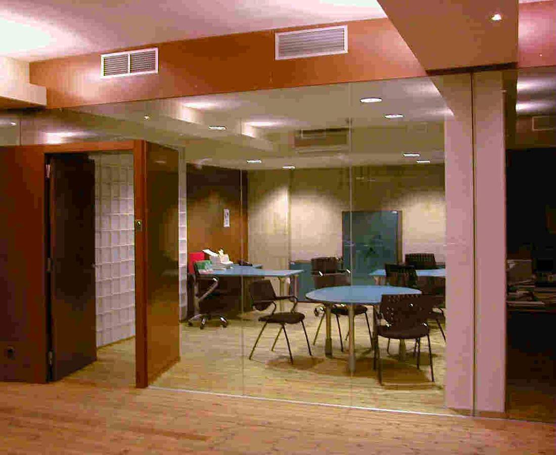 Foto instalacion de aire acondicionado por conductos de for Aire acondicionado oficina