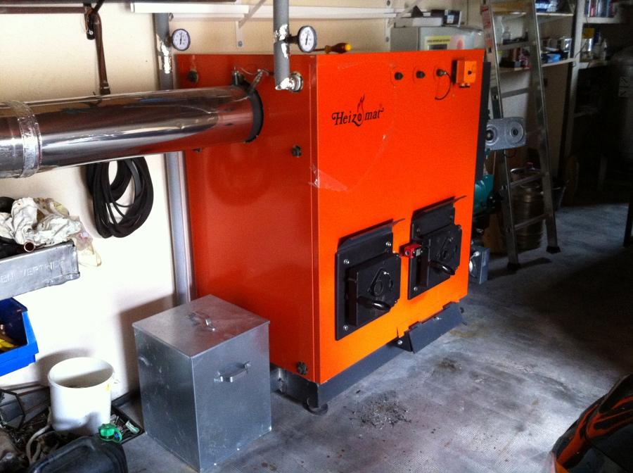 Instalación de caldera policombustible Heizomat