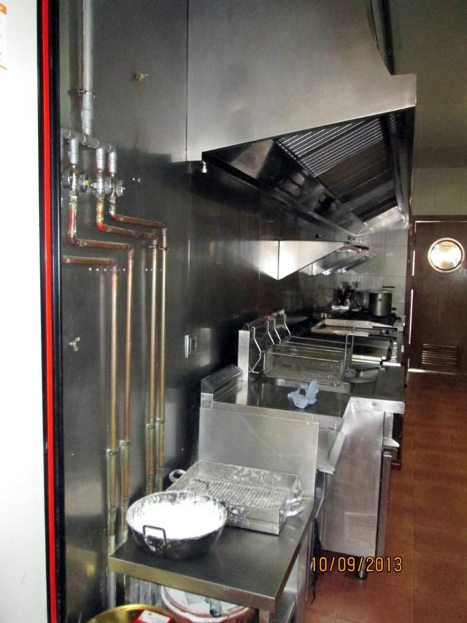 Foto instalacion de gas natural en el restaurante el for Instalacion cocina industrial