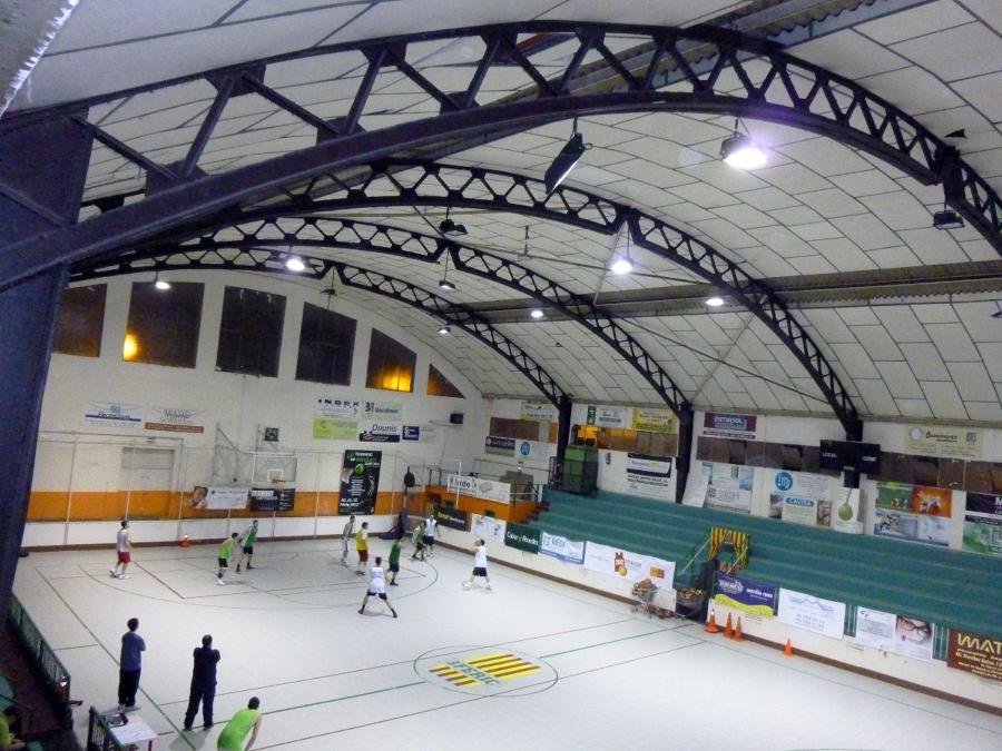 Instalacion de Iluminacion en Pavellon Deportivo