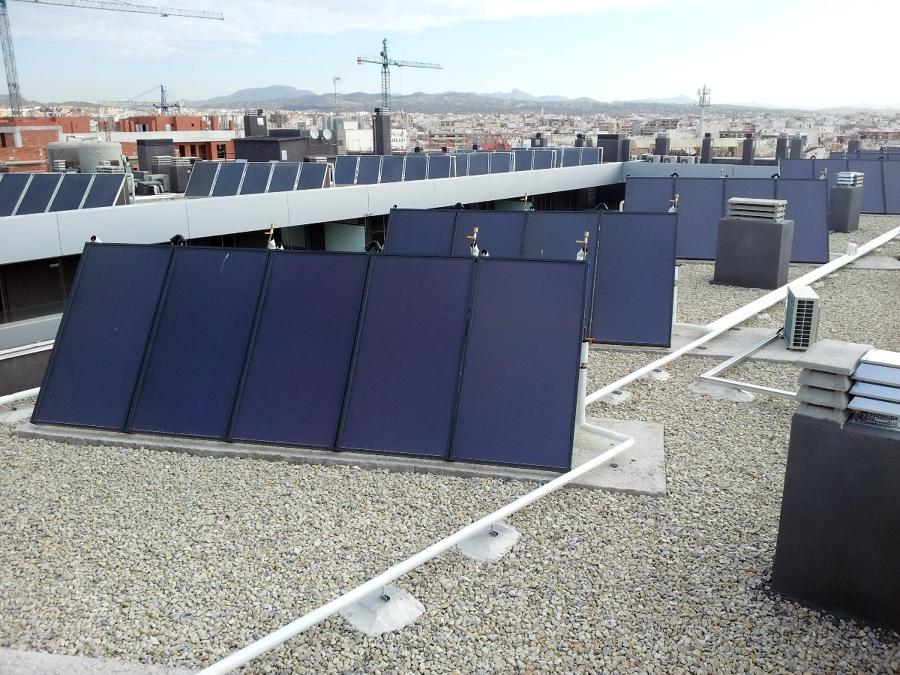 Foto Instalaci 243 N De Paneles Solares Para Acs De