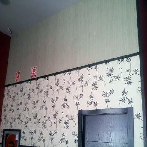 Foto instalaci n de papel pintado y revestimiento for Papel pintado tenerife