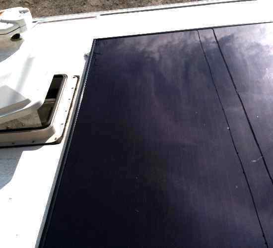 Instalacion de placas solares de capa fina.