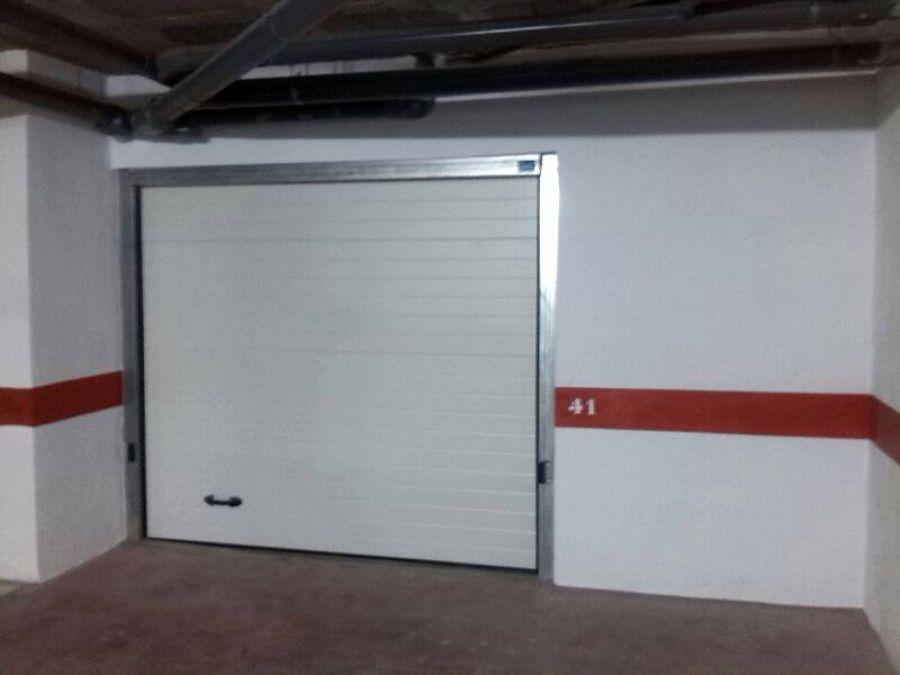 Instalación de puerta en garaje.