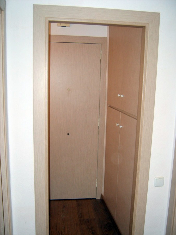 Foto instalacion de puertas y armarios de parquets g mez for Instalacion de puertas