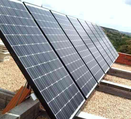 Instalacion de solar fotovoltaica en vivienda permanente.