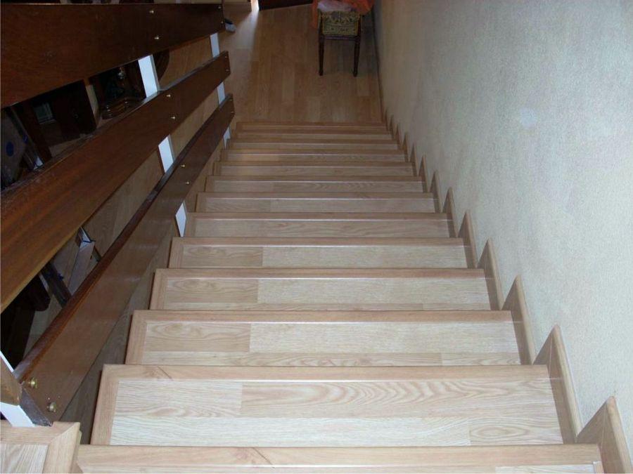 Instalacion de suelo laminado en escalera