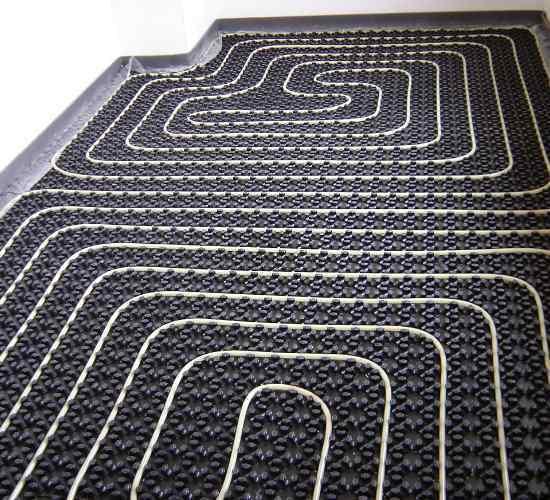 Instalacion de suelo radiante refrescante Rotex.