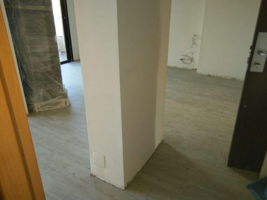 Foto instalaci n de tarima flotante en casa particular de for Instalacion tarima flotante
