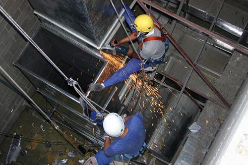 Instalación de tuberías de extracción
