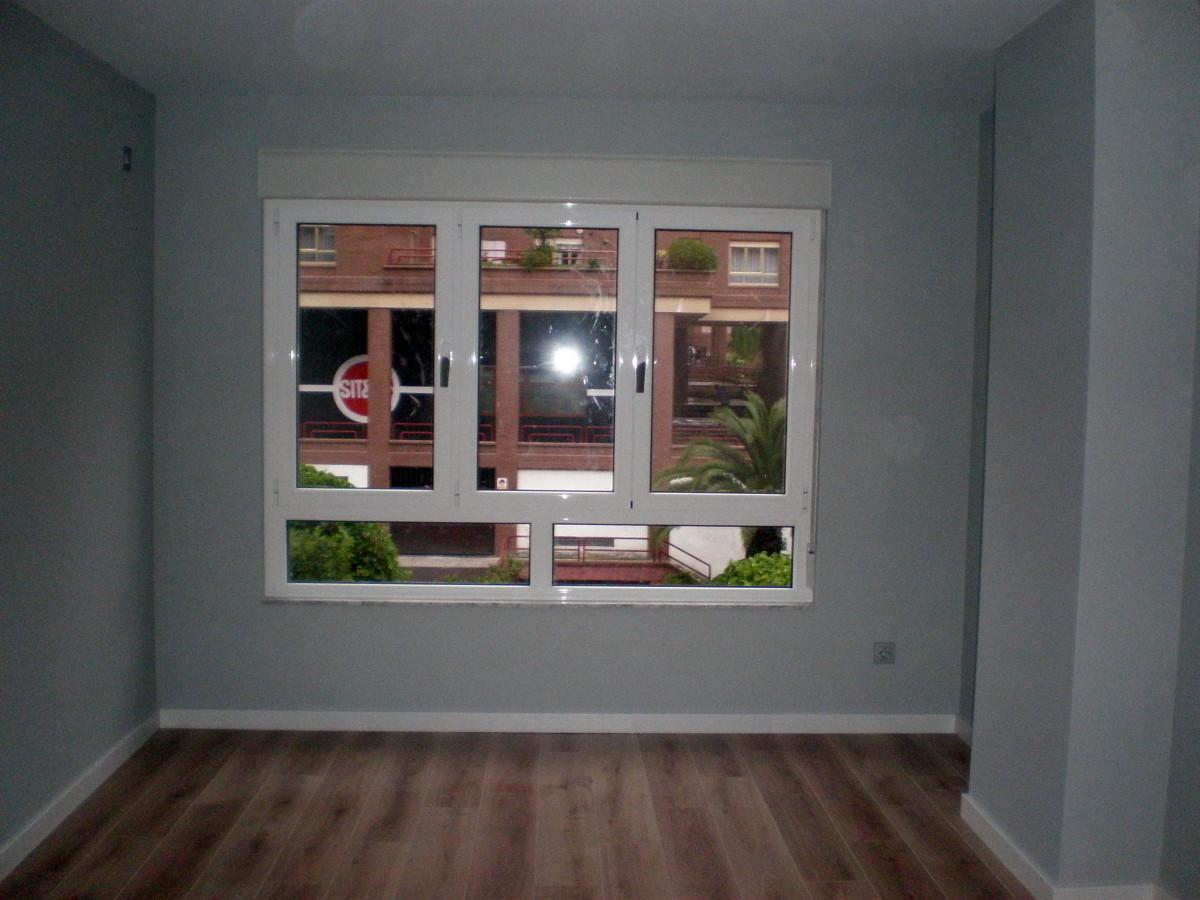 Ventanas de aluminio en jaen materiales de construcci n for Reparacion de ventanas de aluminio