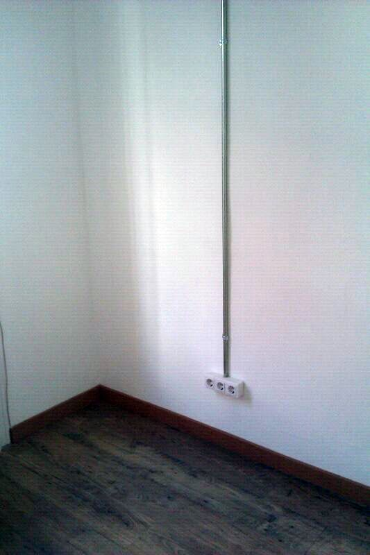 Foto instalacion electrica de vivienda en tubo metalico - Instalacion electrica superficie ...