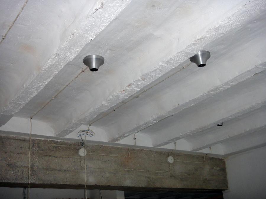 Foto instalaci n el ctrica vista de construcciones y - Instalacion electrica exterior ...
